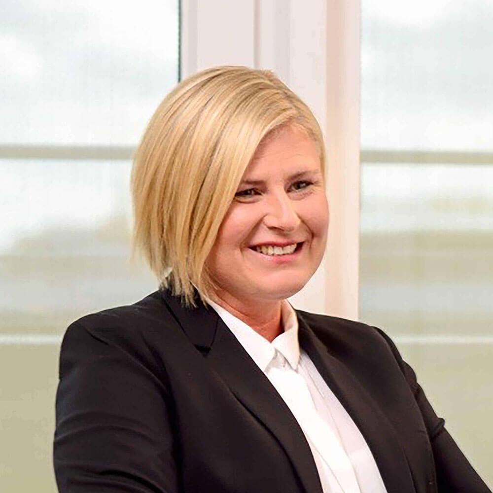 Geschäfsstellenleiterin aus München, Nicole Dietrich